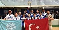 UÜlü badmintoncular Avrupa şampiyonu