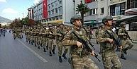 Bursada 30 Ağustos kutlamalarında askere büyük ilgi