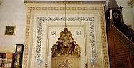 648 yıllık camiden tarihi saat göz göre çalındı