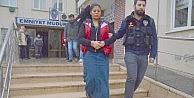 Uyuşturucu taciri kadın ve arkadaşı tutuklandı