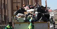 Binlerce kişinin yaşadığı sitedeki çöp daire görenleri şaşkına çevirdi