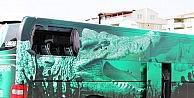 Bursaspor taraftarları takım otobüsünün camlarını kırdı