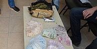 Zehir taciri kadın, yarım kilo esrar ve 31 bin TL ile yakalandı