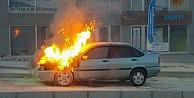Bursada alev alev yanan otomobil korku dolu anlar yaşattı