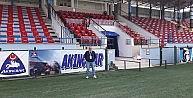 Karacabey stadı bayraklarla donatıldı