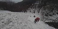 (Özel Haber) Dağcıların Uludağ'da çığ bölgesinden müthiş inişi