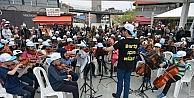 """""""Barış İçin Müzik Orkestraları""""ndan muhteşem konser"""