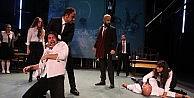 Nilüfer Tiyatro, Romeo ve Juliet ile perde indiriyor