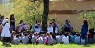(Özel Haber) Dağda orkestra kurup köy çocuklarına konser verdiler
