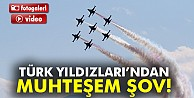 Türk Yıldızları'ndan 23 Nisan şovu