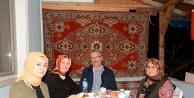 Başkan Özkan ilk iftarı şehit ailesinin evinde yaptı