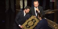 Bursalı hafız yarışmada 3. oldu, ödülünü Cumhurbaşkanından aldı