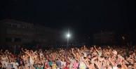 Karacabeyliler, Tarık Mengüç'ün şarkılarıyla coştu