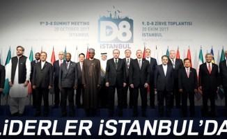 D-8 zirvesine katılan devlet ve hükümet başkanları aile fotoğrafı çektirdi