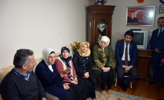 AK Parti Genel Başkan Yardımcısı Kan'dan şehit ailesine ziyaret