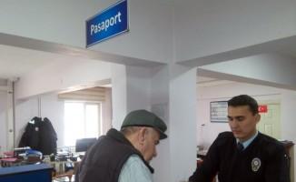 Hacı adaylarının pasaport kuyruğu