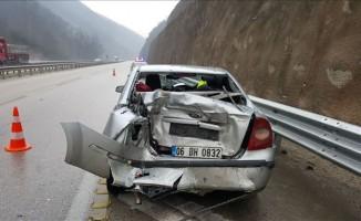Mezitlerde kaza:3 Yaralı