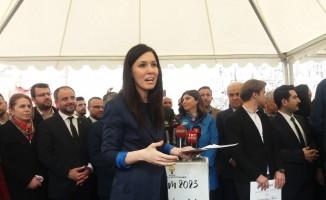"""Karaarslan, """"Şehrim 2023"""" otobüsünde vatandaşlarla buluştu"""