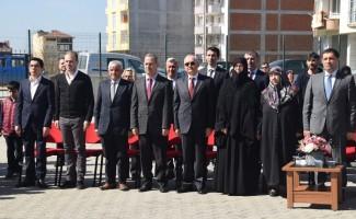 """Şehit Hikmet Aktaş Ortaokulu'nda """"şehit köşesi"""" açıldı"""
