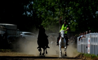 Rahvan At Yarışları nefes kesti