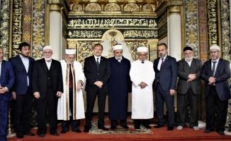 Başbakan Yardımcısı Çavuşoğlu Bursa'da kursiyerlere sertifika verdi