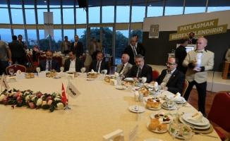 Başbakan Yardımcısı Çavuşoğlu MÜSİAD'ın iftar yemeğine katıldı