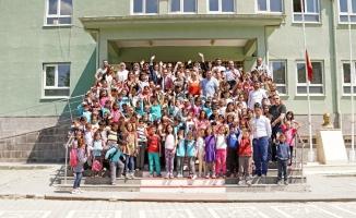 EWE Turkey Grup'tan 500 çocuğa kıyafet desteği
