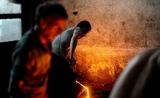 (Özel Haber) Ramazanda 1350 derece derece sıcakta ekmek mücadelesi