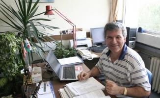 Uludağ Üniversiteli akademisyene 'Altın Kalem Ödülü'