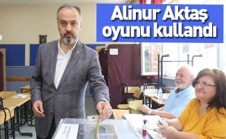 Alinur Aktaş oyunu kullandı