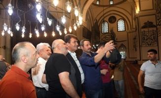 Başkan Dündar, vatandaşlarla bayramlaştı