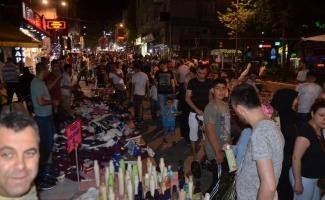 Bursa'da bayram alışverişinde adım atacak yer kalmadı