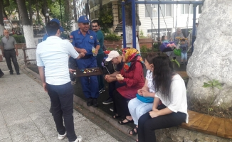 Jandarma vatandaşların bayramını kutladı