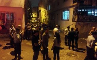 Uyuşturucu tacirleri mahalleliye ateş açtı: 2 yaralı