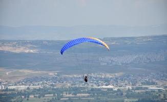 Yamaç Paraşütü Türkiye Şampiyonası İnegöl'de Yapıldı