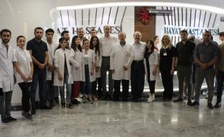 Gürcistanlı tıp öğrencileri, staj için geldikleri Hayat Hastanesi'ne hayran kaldı