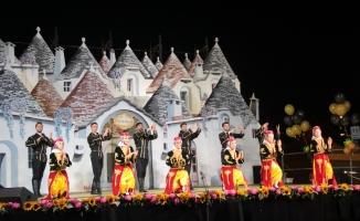 Halk Dansları Topluluğu'na en iyi grup ödülü