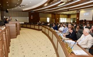 """Mecliste """"Büyükşehir battı"""" tartışması"""