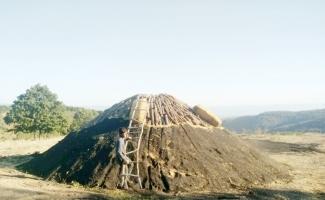 Yaylalarda mangal kömürü üretimi