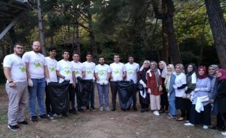AK gençlerden çevre temizliği