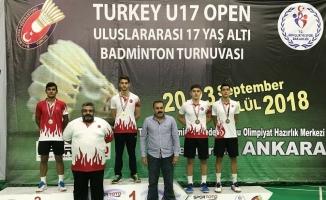 Osmangazili badmintonculardan çifte mutluluk