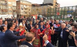 Ak Parti ve CHP'li başkanlar karşılıklı çiftetelli oynadı