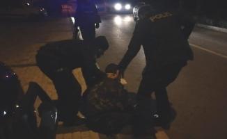 Bursa'da eli silahlı şahıs polisi alarma geçirdi