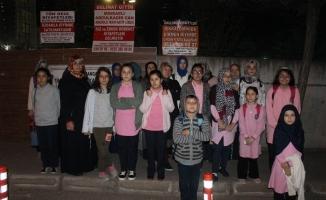 Çocukları iki yılda ikinci defa okul değiştiren veliler ücretsiz servis talep etti