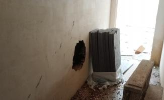 Duvarı delip, bilgisayar çaldılar
