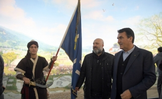 Şehzade Osmanoğlu, Fetih Müzesi'nde duygulandı