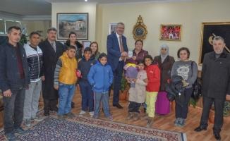 Başkan Özkan öğrencileri ağırladı
