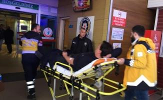 Forklift üzerinden düşen işçi yaralandı