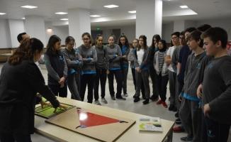Gezici matematik müzesi Teknoloji Fen Okulları'nda