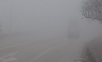 İnegöl'de sis nedeniyle göz gözü görmüyor